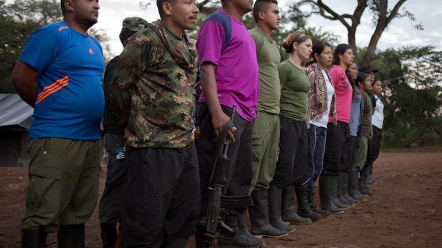 Las FARC aplazan el tránsito hacia las zonas de reunión por problemas jurídicos