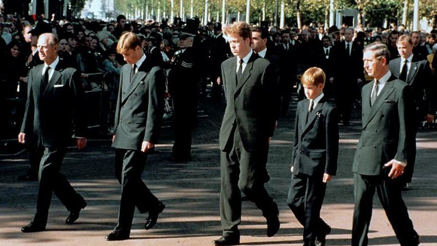 El príncipe Enrique, arrepentido por tardar en hablar de la muerte de Lady Di