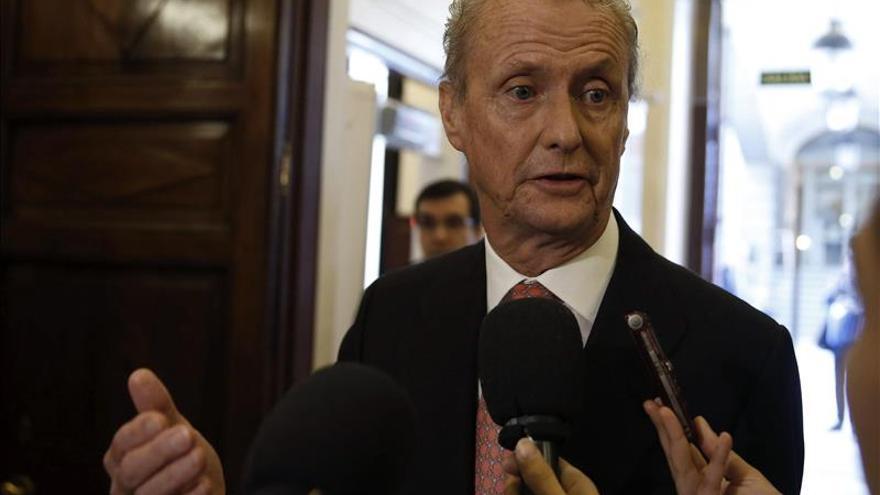 Morenés anuncia un protocolo para acelerar las denuncias en caso de acoso en las Fuerzas Armadas
