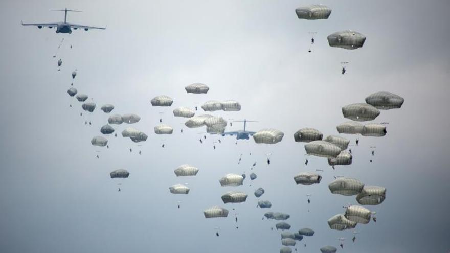 13 paracaidistas heridos, 7 españoles y 6 de EE.UU, en ejercicios en Zaragoza