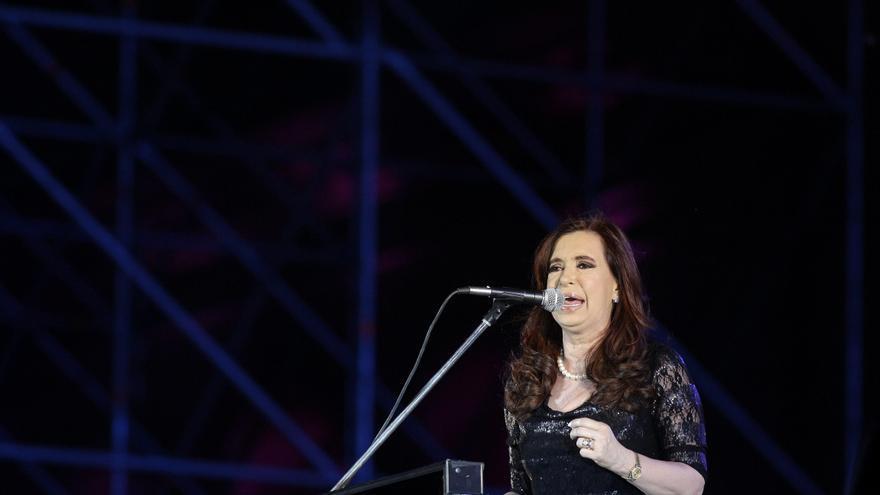 """Argentina insta a Cameron a """"poner fin al colonialismo"""" y devolver Malvinas"""