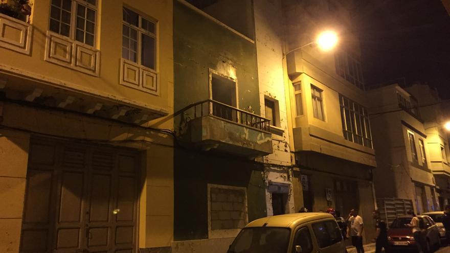 Viviendia incendiada en la calle Mayorazgo de La Isleta