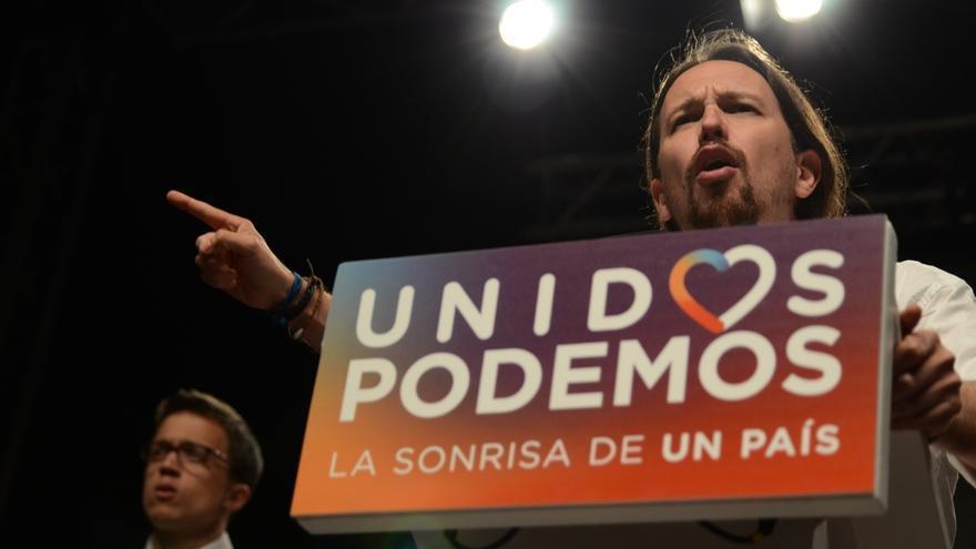 """Pablo Iglesias dice que lo que da miedo no son """"las brujas moradas"""" sino """"hijos de puta"""" como los bancos que desahucian"""