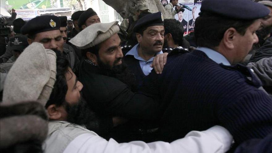 El Gobierno paquistaní vuelve a ordenar el arresto del acusado por los ataques de Bombay