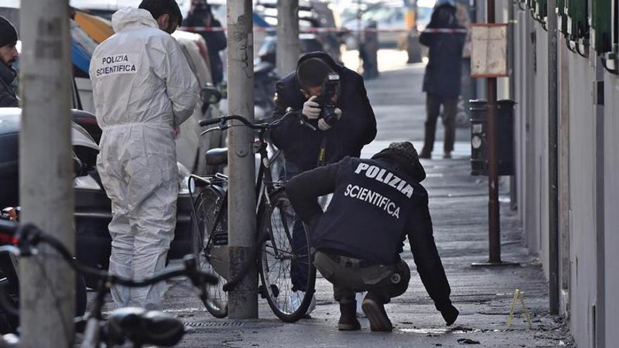 Un artificiero italiano resulta herido al estallar un paquete en Florencia