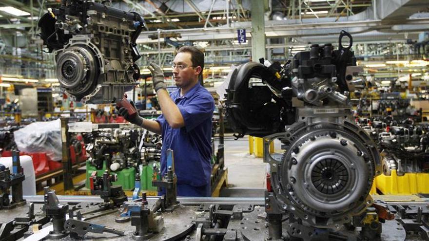 Las ventas de la industria subieron un 1,6 % en 2015 y los pedidos, un 2,4 por ciento