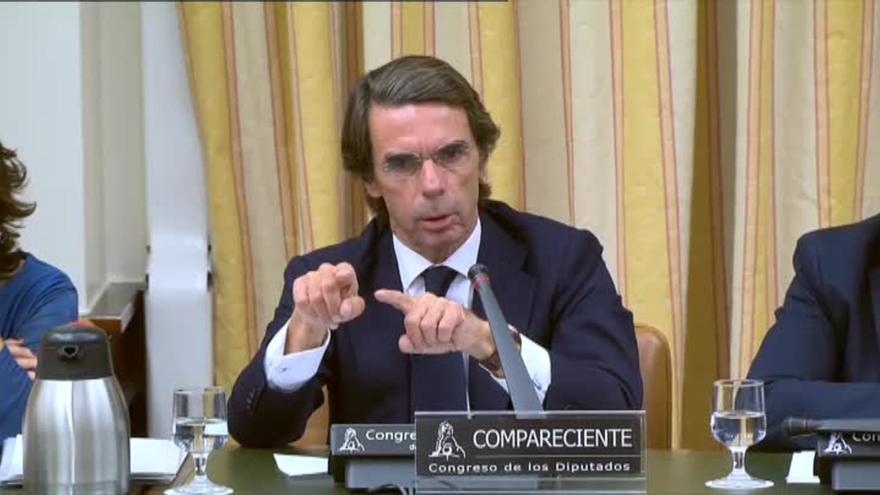 J.M. Aznar comparece en el Congreso de los Diputados ante la comisión que investiga la financiación ilegal del PP.