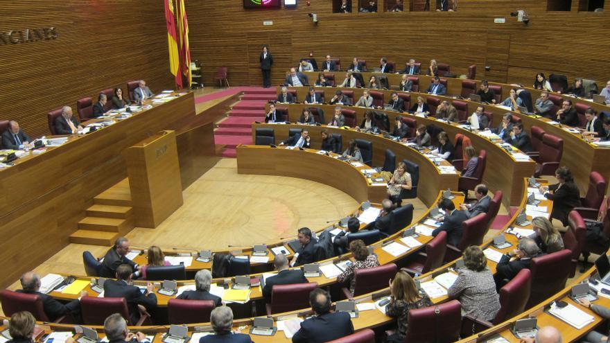 Fabra planteará en el Debate de Política General reducir el número de diputados y los organismos estatutarios