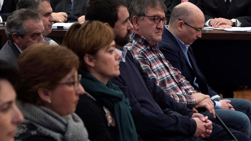 Ochandiano, Tellería y de Miguel, el pasado mes de enero en el banquillo de los acusados