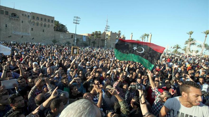 Huelga general en Trípoli en señal de duelo por los 43 muertos en la manifestación del viernes