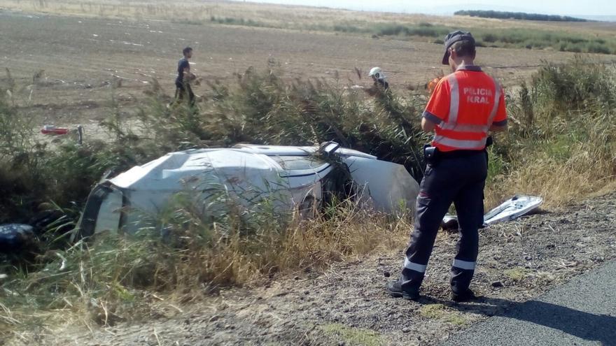 Dos heridos leves tras una salida de vía en Fontellas