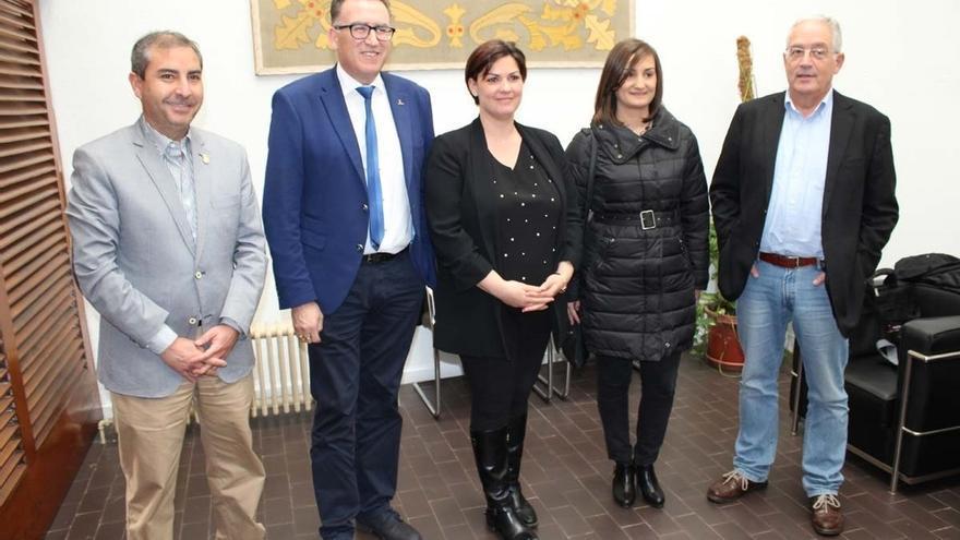 Alcaldes de Extremadura, Andalucía y C-LM solicitan a Fomento que incluya en los presupuestos la opción sur de la A-43