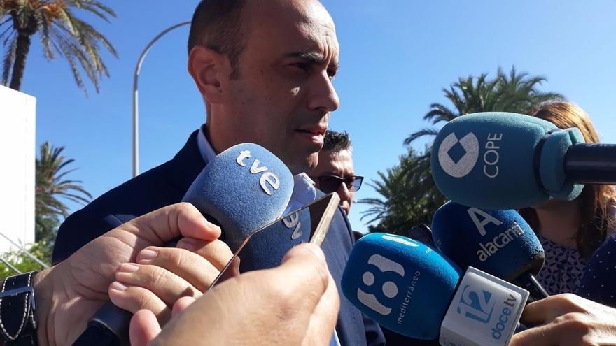 """Compromís advierte de que el pacto en Alicante """"no es un cheque en blanco"""" a Echávarri y Podem quiere que dimita"""