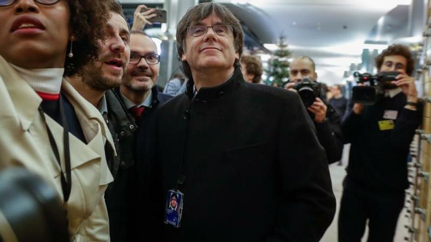 La justicia belga suspende la euroorden para extraditar a Puigdemont y Comín