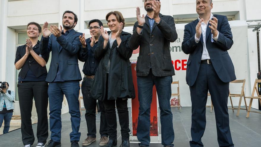 Ska Keller, Alberto Garzón, Gerardo Pisarello, Ada Colau, Joan Herrera i Stavros Karagkounis a l'acte de Barcelona en Comú / ENRIC CATALÀ
