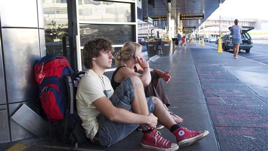 """Australia aplaza la introducción del llamado """"impuesto a los mochileros"""""""