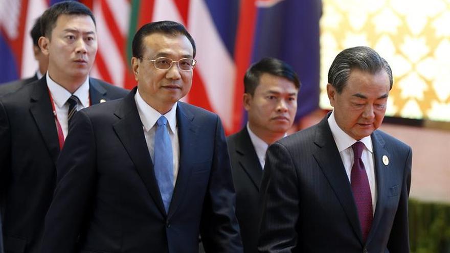 China y ASEAN aprueban borrador de código de conducta para reducir tensiones