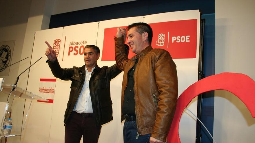 Manuel González Ramos apoyando la pre candidatura de Santiago Cabañero.