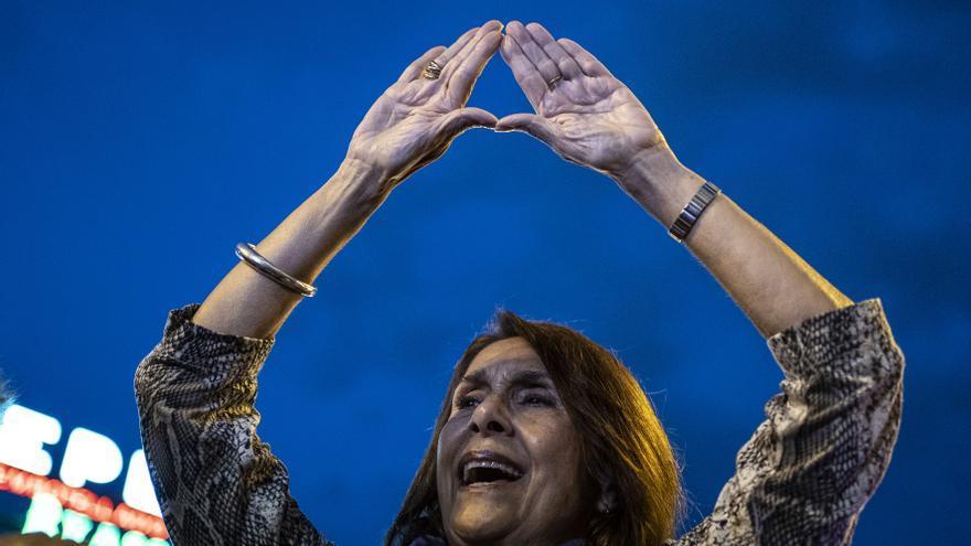 """""""No estamos todas, faltan las asesinadas"""", han sido algunas de las proclamas que se han repetido en la Noche Violeta de la capital madrileña."""