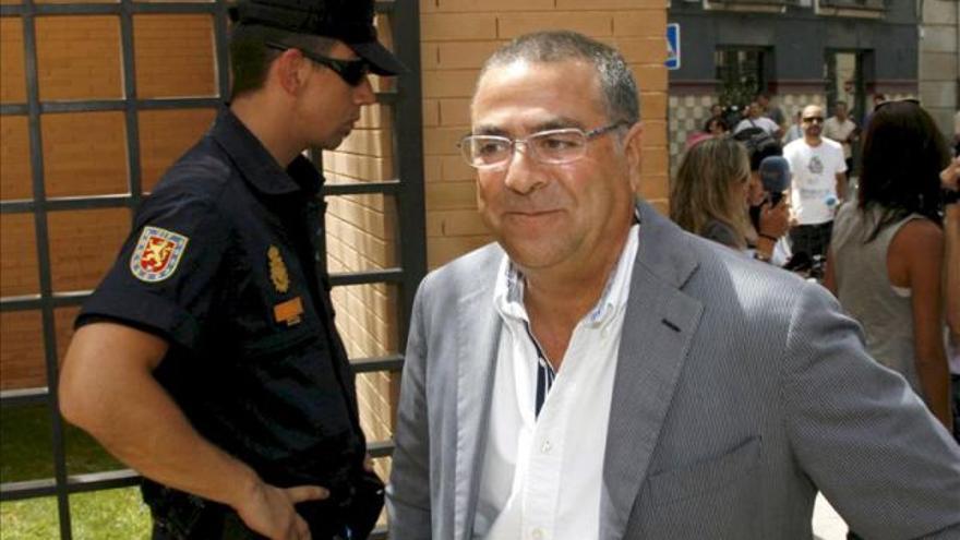 Enrique Ortiz.