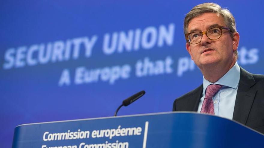 La CE reconoce que debe poner al día su estrategia de ciberseguridad