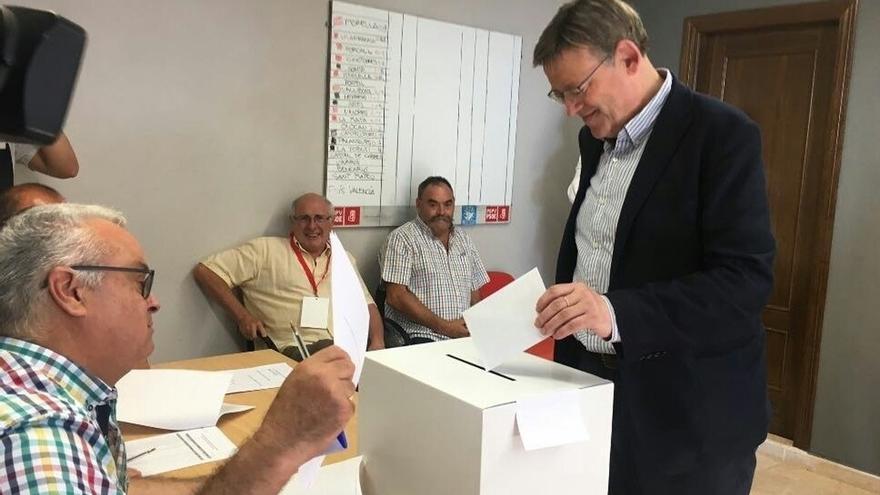Ximo Puig se impone a Rafa García en las primarias del PSPV con casi 10.000 votos escrutados