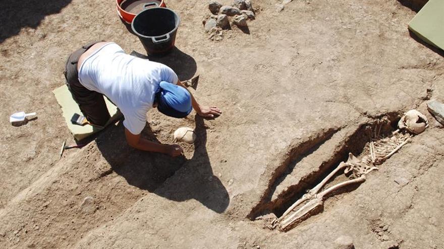 Fotografía facilitada por José Guillén, de la empresa arqueológica Tibicena, del yacimiento del siglo XVI descubierto en 2009 en la localidad de Santa María de Guía (Gran Canaria). EFE/José Guillén