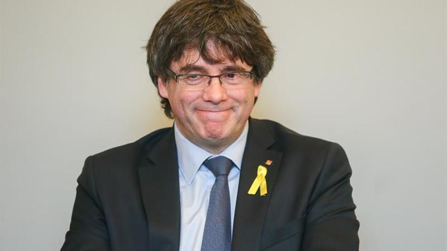 El fiscal pide al juez que invalide los pasaportes de Puigdemont y demás huidos