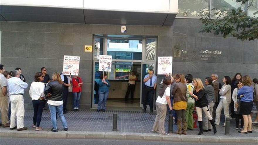 De protestas de funcionarios en LPGC #2