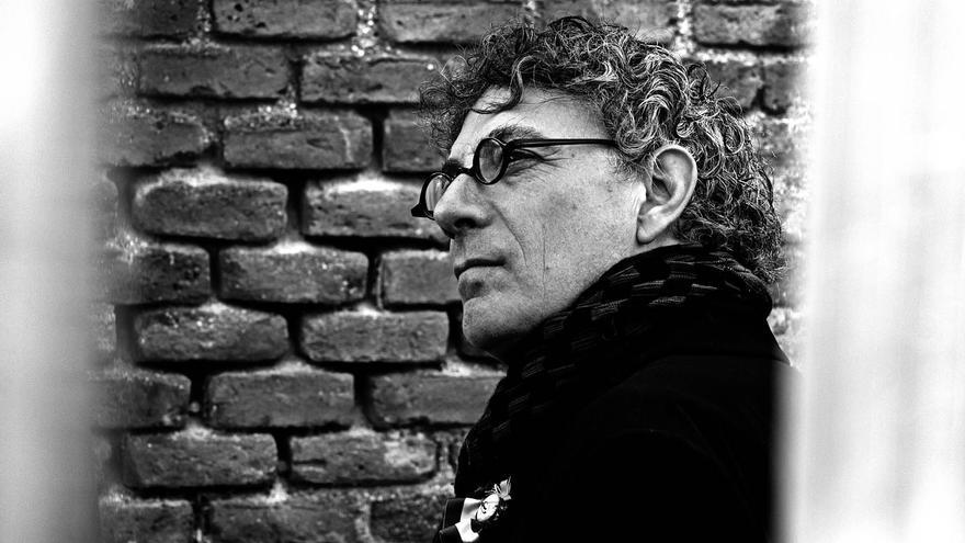 Juan Carlos Mestre, poeta leonés.