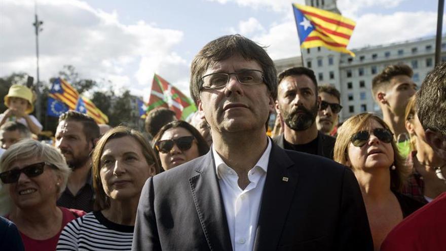 """Puigdemont, abierto """"hasta el último minuto"""" a negociar con Rajoy el 1-O"""
