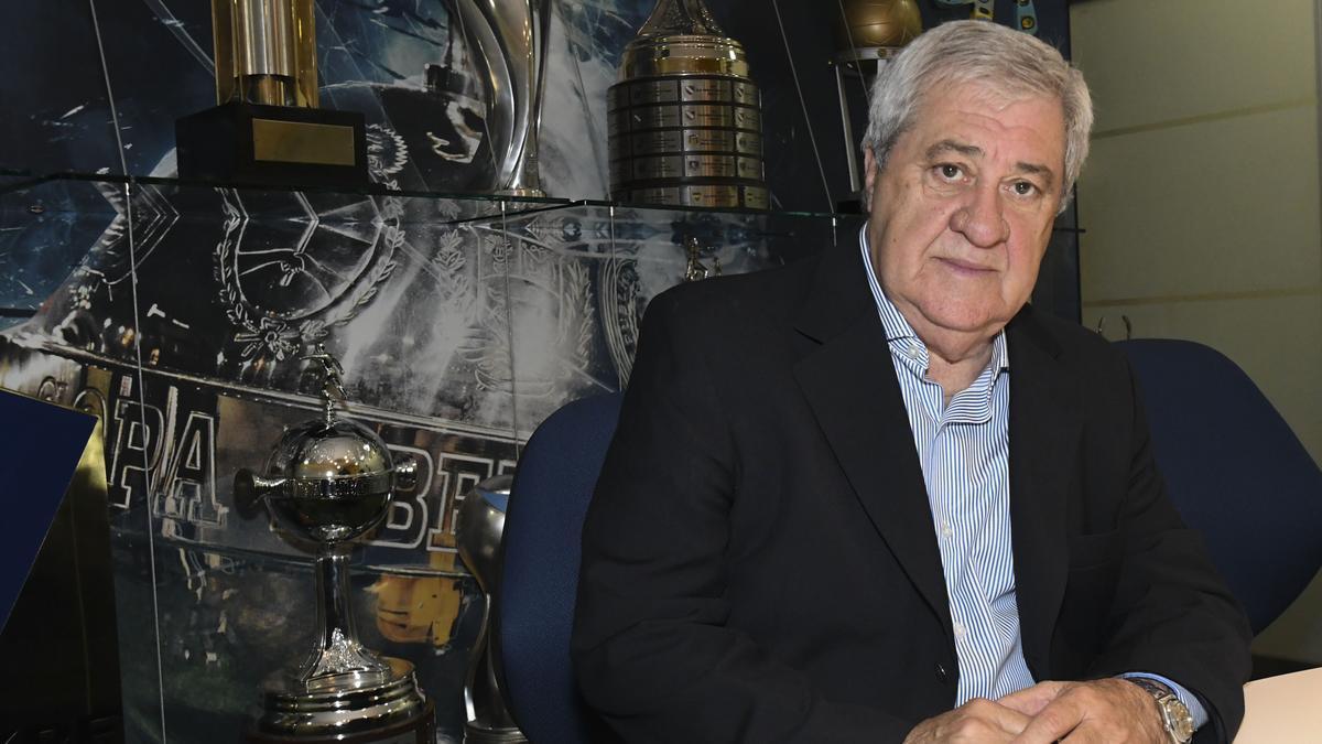 El presidente de Boca Juniors, Jorge Amor Ameal, furioso con la Conmebol.