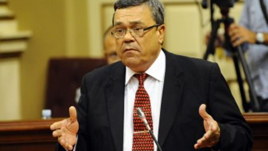 Miguel Cabrera Pérez-Camacho, durante su intervención en el Parlamento este miércoles. (ACFI PRESS)