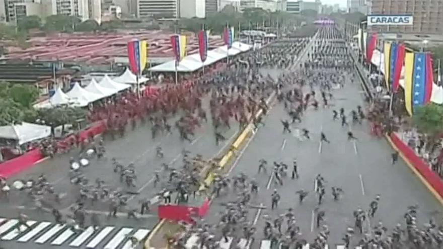 Los militares de la Guardia Nacional Bolivariana, tras el ataque contra maduro