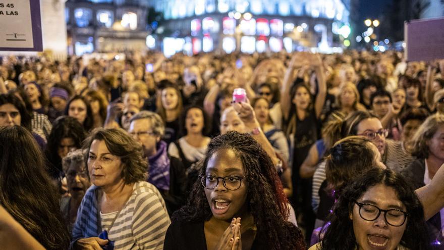 """La """"noche violeta"""", el 20 de septiembre en la Puerta del Sol de Madrid."""