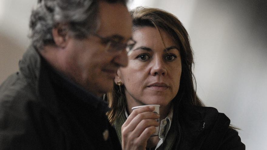 María Dolores de Cospedal y su marido, Ignacio López del Hierro, en una imagen de archivo.