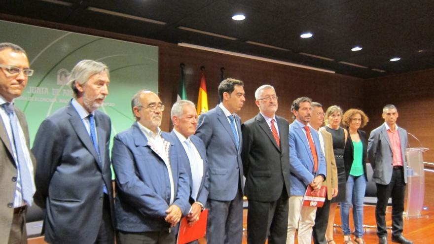 Junta y nueve sindicatos y organizaciones firman el primer Pacto para la promoción del trabajo autónomo de Andalucía