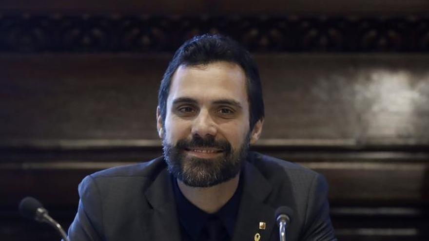 La Mesa del Parlament mantiene la delegación de voto de Puigdemont