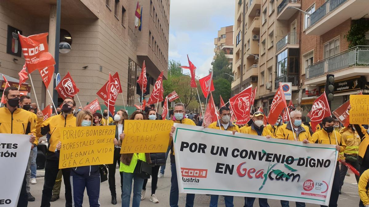 Trabajadores de GEACAM protestan en Albacete