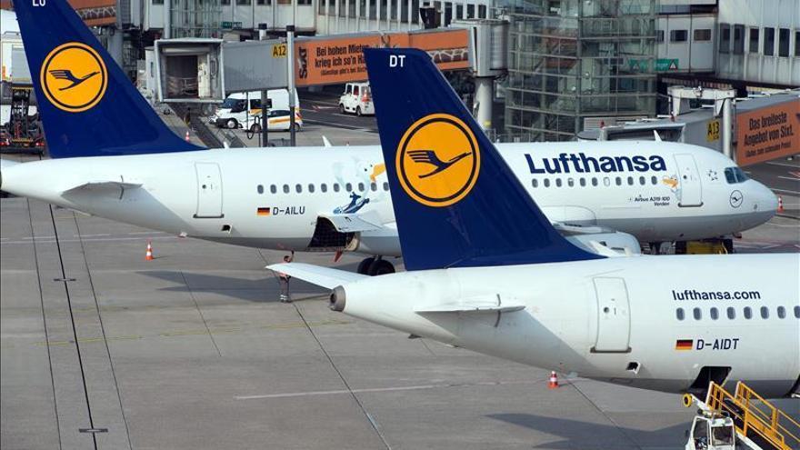 """Airbus retrasa """"unas semanas"""" la entrega de su primer A320neo a Lufthansa"""