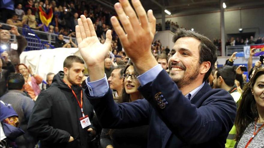 """Garzón anuncia """"grandes sorpresas"""" y un """"día grande"""" para IU"""