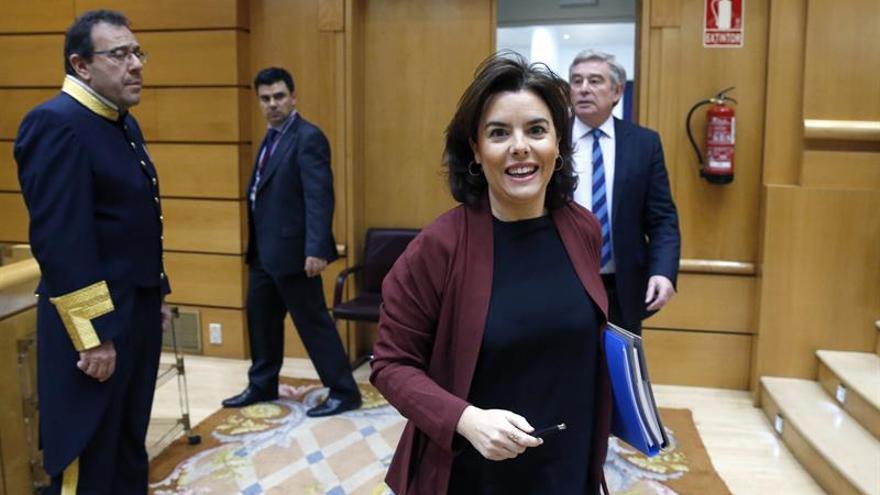 """Santamaría seguirá hablando con Cataluña aunque el Govern se lance """"al precipicio"""""""