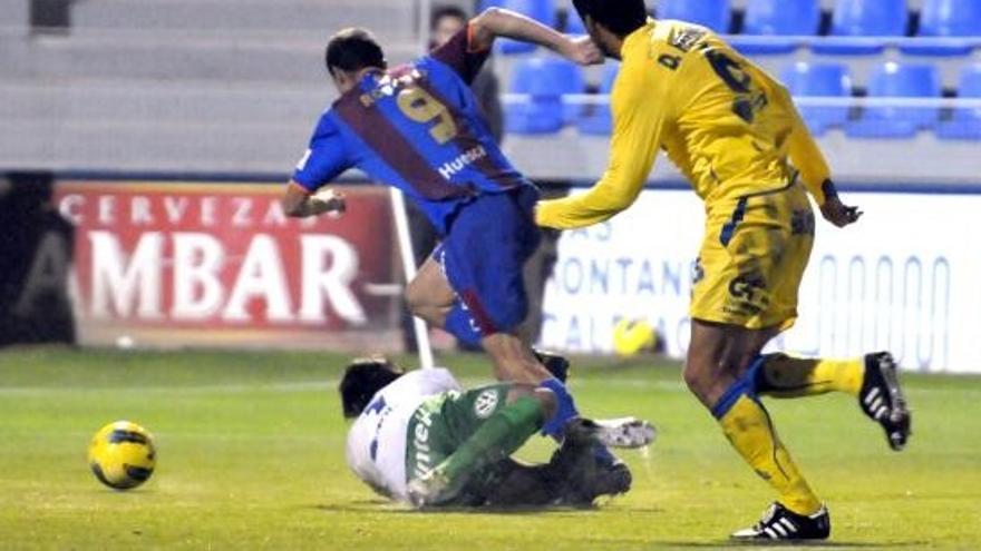 Imagen del encuentro de ida entre la UD y el Huesca (ACFI PRESS).