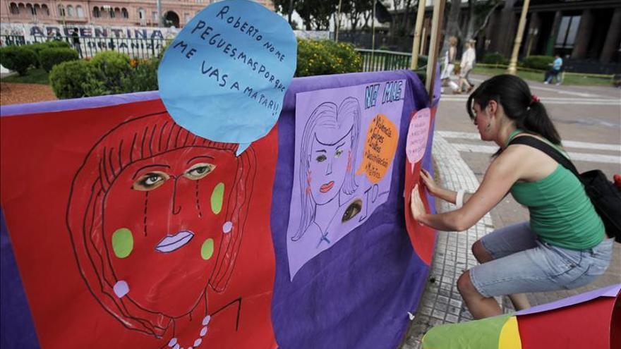 Violencia de género, un flagelo en Argentina con casi una muerte diaria