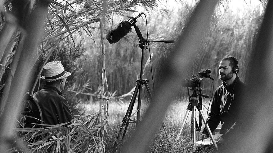 David Segarra, autor de 'Savis de l'horta' entrevistant a Marcelino de Castellar