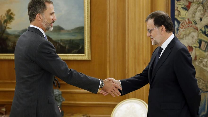 """El Gobierno cree que el """"desplante mezquino"""" de Torrent y Colau al Rey pone el riesgo el futuro del MWC en Barcelona"""