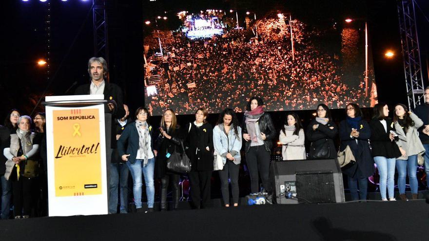 Jordi Armadans, director de la Fundació per la pau, durante su intervención en el acto por la libertad de los presos
