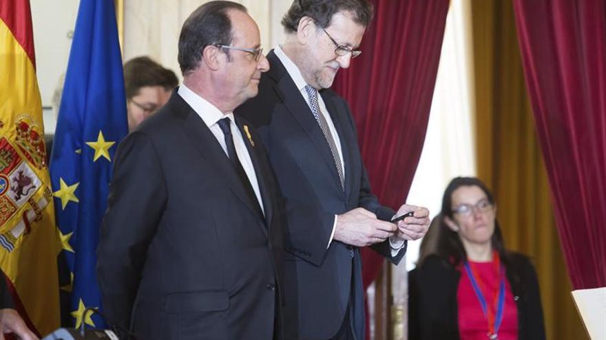 Francois Hollande y Mariano Rajoy, en la cumbre hispanofrancesa de Málaga.