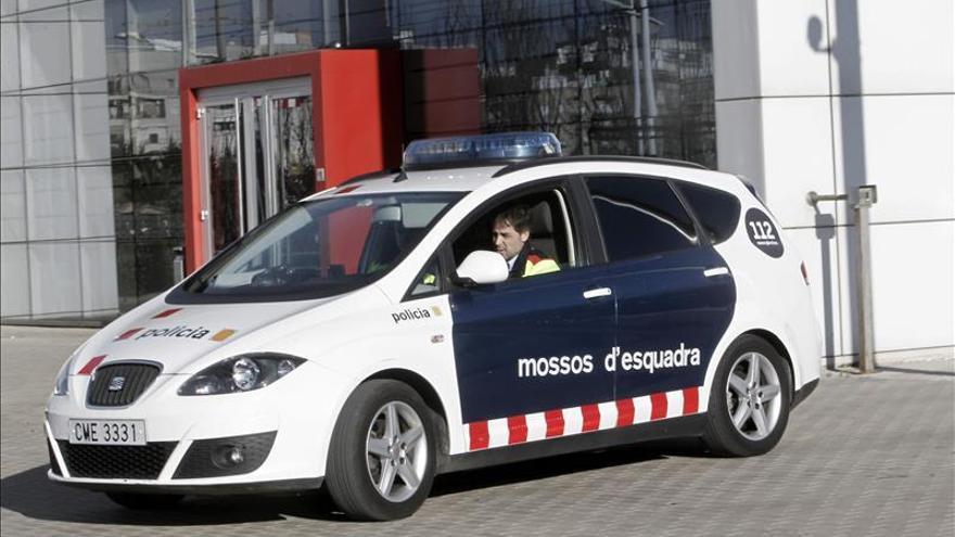 Una mujer herida al ser apuñalada en el abdomen por su pareja en Lleida