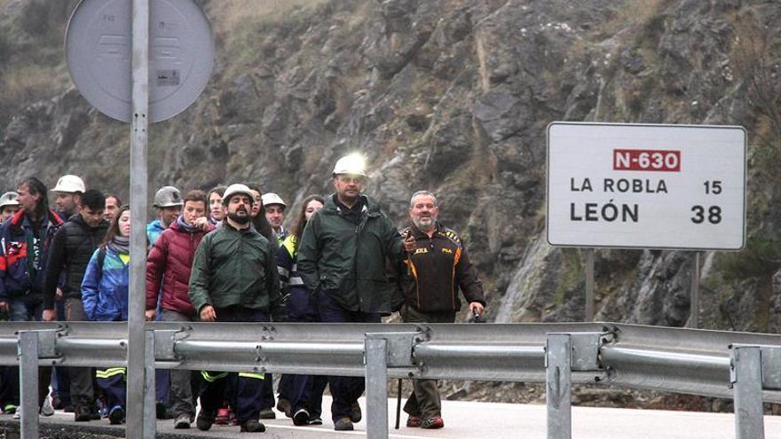 """UGT critica que el Gobierno pacte con Bruselas el """"cierre total"""" del carbón"""